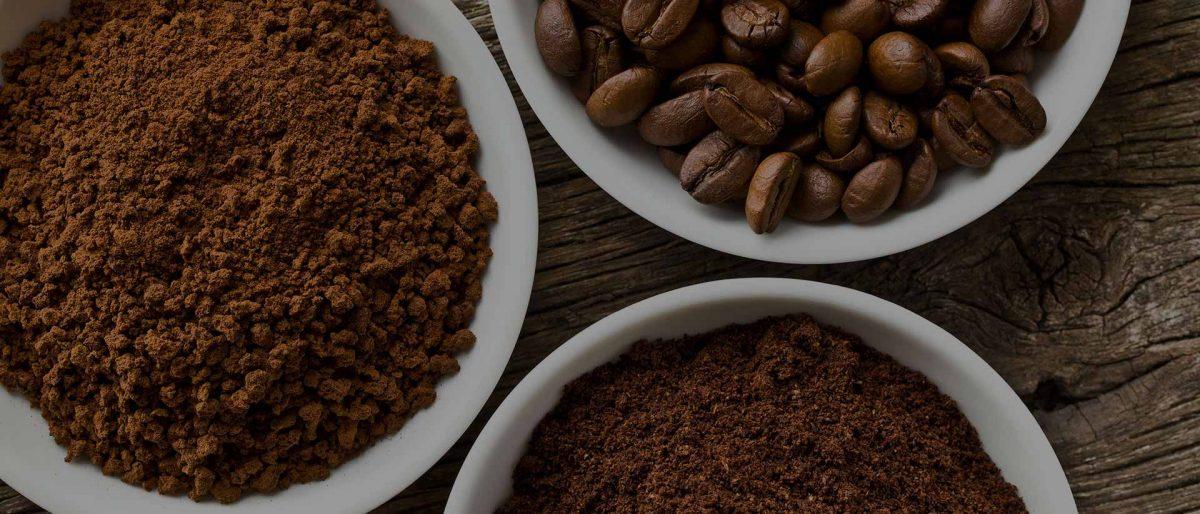 Kavoje kofeinas yra ne grynas, o kartu su daugybe organinių junginių
